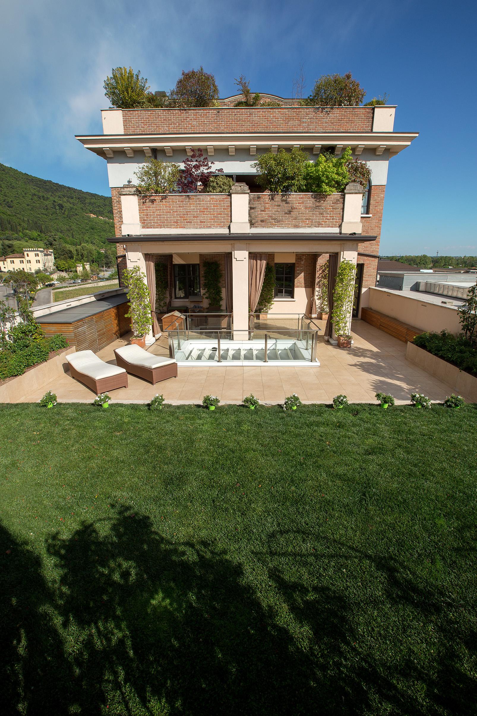Splendido appartamento con terrazza e giardino