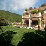 Appartamento con terrazza e giardino