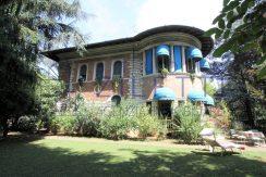 Villa storica con parco secolare nel centro cittadino