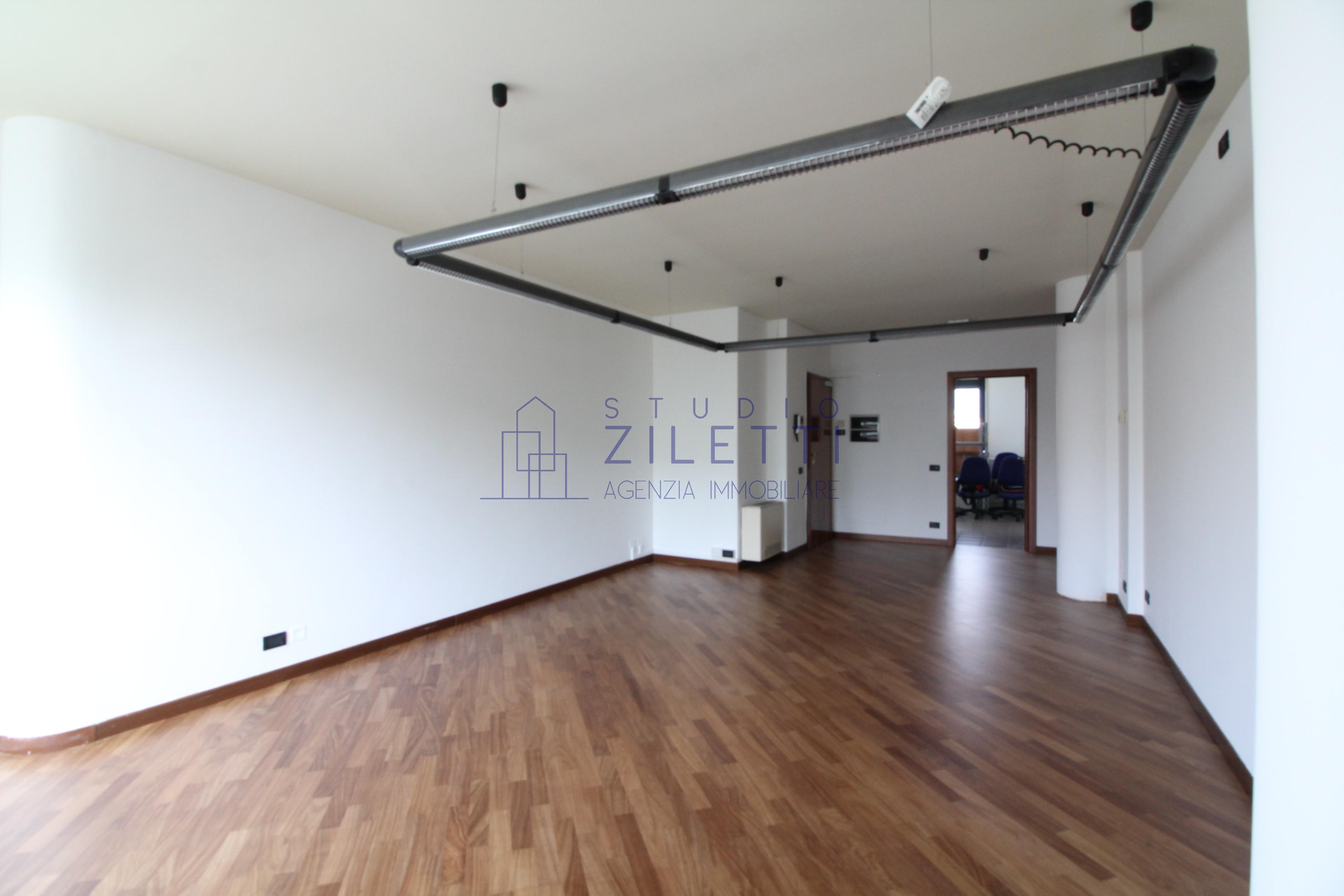 Vendesi appartamento/ufficio a Brescia Due
