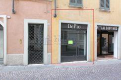 Piccolo negozio in affitto in centro storico