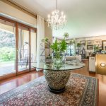 Pentalocale con giardino privato in elegante contesto residenziale